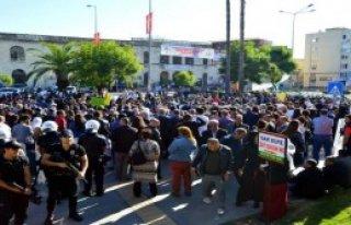 Mersin'de Silvan ve Paris Protestosu