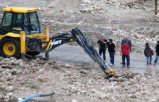 Nusaybini Dolu Ve Sel Vurdu: 3 Ev Yıkıldı