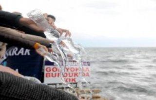 Burdur Gölü'ne Su Döktüler