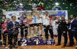 Şampiyon Sezonu Bursa'da Açıyor