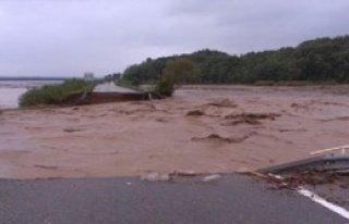 Sırbistan'da Sel Ve Heyelan: 2 Ölü