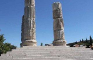 Tapınaktaki Kamyon İddialarına Yanıt