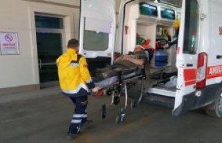 Çukura Düşen 2 İşçi Yaralandı