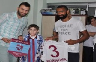 Trabzonsporlu Oyunculardan Anlamlı Ziyaret