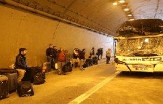Tünel İçindeki Kaza Ucuz Atlatıldı