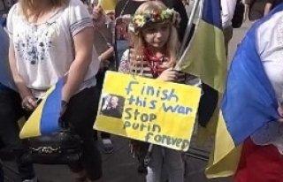 Türkiye'deki Ukraynalılar Barış İçin Yürüdü