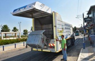 Narlıdere'de çöp kutularına hijyenik bakım