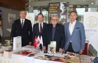 Çağdaş Atatürk Fotoğrafları sergisi Bergama'da açıldı