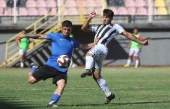Manisaspor: 0 -  Karbel Karaköprü Belediyespor: 2