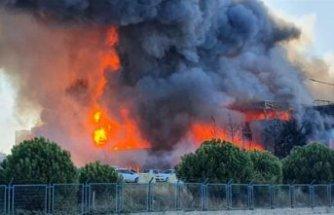 Tuzla Organize Sanayi Bölgesi'nde büyük yangın
