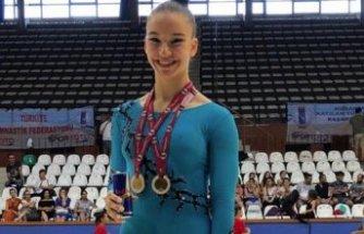Ayşe Begüm Onbaşı sezonu şampiyonlukla kapattı