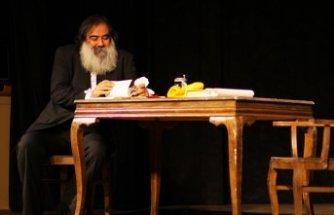 'Ben Marxist Değilim' tiyatroseverlerle buluşuyor