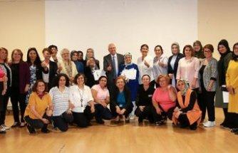 Karabağlar'da kadınlar haklarını öğreniyor