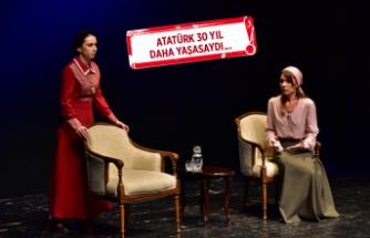 Bornova'da Atatürk'ü anlatan oyun büyük ilgi gördü