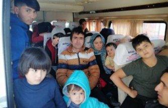 Çanakkale'de 98 kaçak göçmen yakalandı