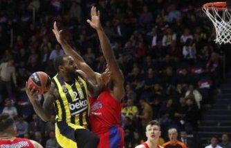Fenerbahçe Rusya'da farklı yenildi
