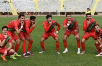 Karşıyaka, Ofspor'u farklı yendi