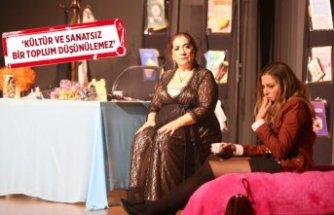 Şişman Güzeldir, Karabağlar'da sahnelendi