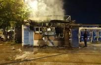 Bakırköy'de İBB'ye ait halk ekmek büfesi alev alev yandı