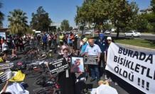 Zeynep'in öldüğü kazanın karar duruşması öncesi kefenli eylem