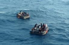 Çeşme ve Dikili açıklarında 55 kaçak göçmen kurtarıldı