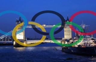 İngiltere Olimpiyat Meşalesini Teslim Aldı