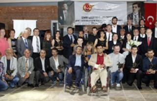 Gazeteci Hasan Tahsin Ödülleri Sahiplerini Buldu...