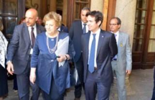 İtalya Başbakanı Anarşistlerin Hedefi Oldu