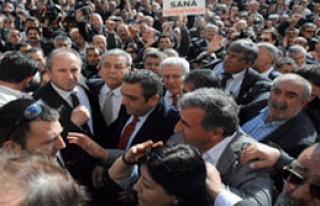 İzmir Karara Tepkili