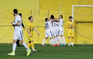 Menemenspor, 3 puanı 3 golle aldı
