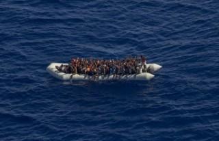 Fas sınırından İspanya'ya düzensiz göçmen...
