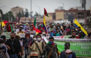 Bogota'ya gelen yerli topluluklar yürüyüş...