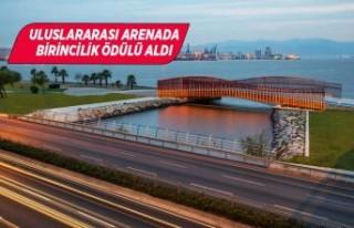 Bayraklı yaya köprüsüne uluslararası tasarım...