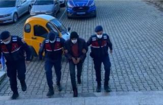 Beydağ'da aranan hükümlü jandarma tarafından...