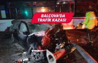 İzmir Balçova'da kaza! Otomobil ve ESHOT otobüsü...