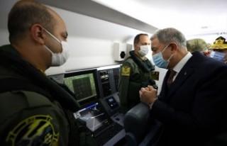 Milli Savunma Bakanı Akar, Deniz Kuvvetlerinin yeni...