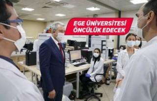 """Rektör Budak, """"EÜ yerli ve milli aşılar geliştirilmesine..."""