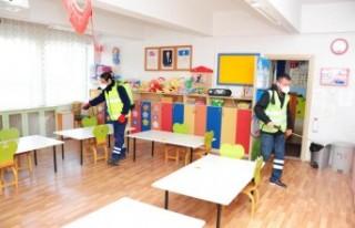 Balçova'daki okullara virüs temizliği