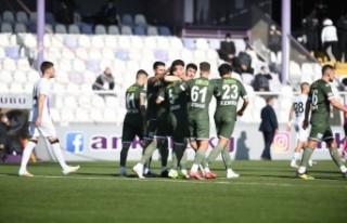 Bursaspor, tüm olumsuzluklara karşın gollerine...