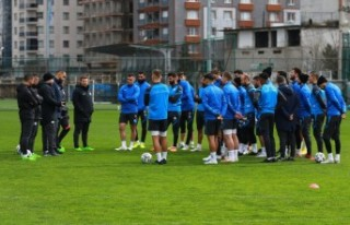 Çaykur Rizespor'da Sumudica'dan oyunculara...