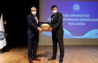 """""""Ege Üniversitesinin son 3 yıldaki performansı..."""