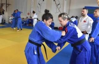 Kadın Judo Milli Takımı, Edirne'de olimpiyatlara...