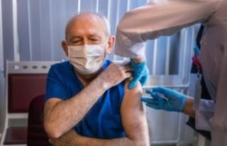 Kılıçdaroğlu, Covid-19 aşısını yaptırdı