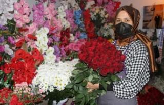 Kırmızı gül serada 2,5 lira, çiçekçide 20 lira