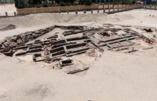 Mısır'da arkeologlar, 5 bin yıllık bira fabrikası...