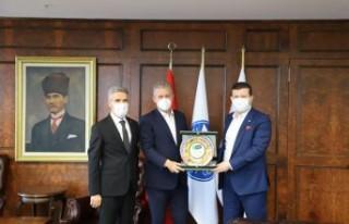 Yeşilay İzmir'den İZTO'ya ziyaret