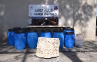 Akhisar'da sahte içki ve tarihi eser operasyonu