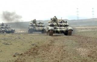 Azerbaycan'dan dev askeri tatbikat