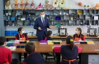 Bakan Selçuk: Yüz yüze eğitim esastır