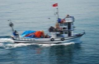 Balıkçı teknesi alabora oldu; 2 ölü